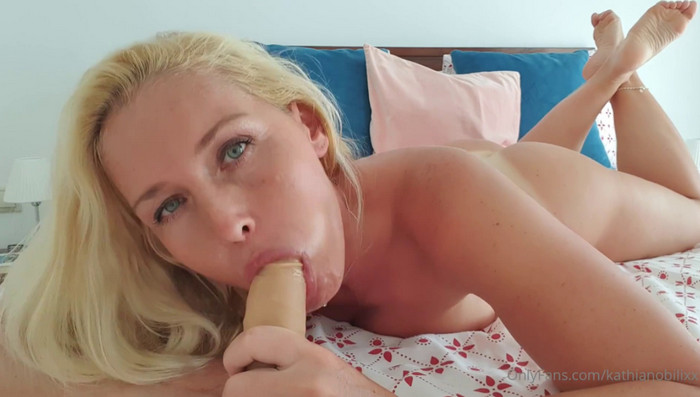 Kathia Nobili – Mommy will play with you