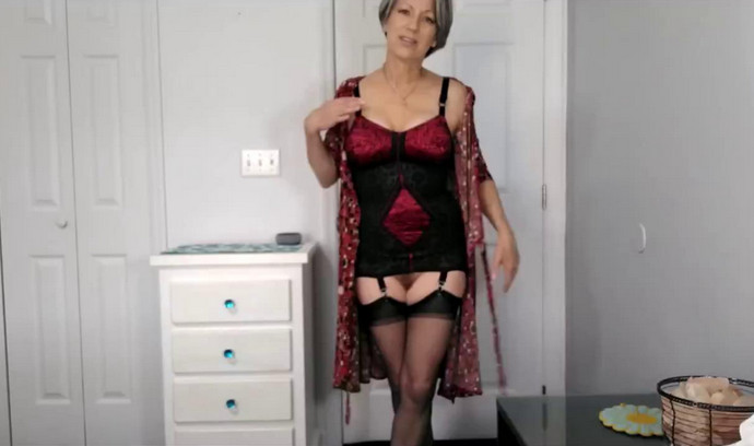 MoRina – Mature Woman Takes Your Virginity