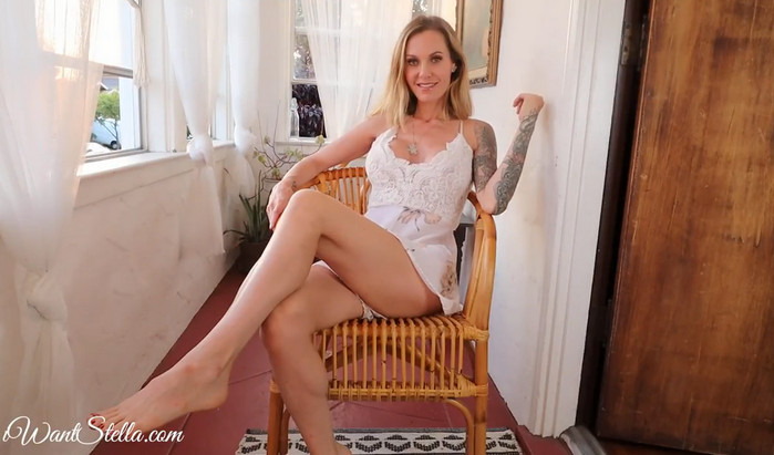 Goddess Stella Sol – Patio Jerking for Step Mommy