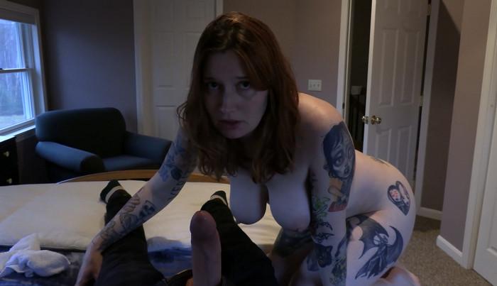 Bettie Bondage – Mom Blows & Fucks your Bully