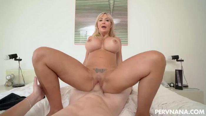 Victoria Lobov – Nanas New Boobs
